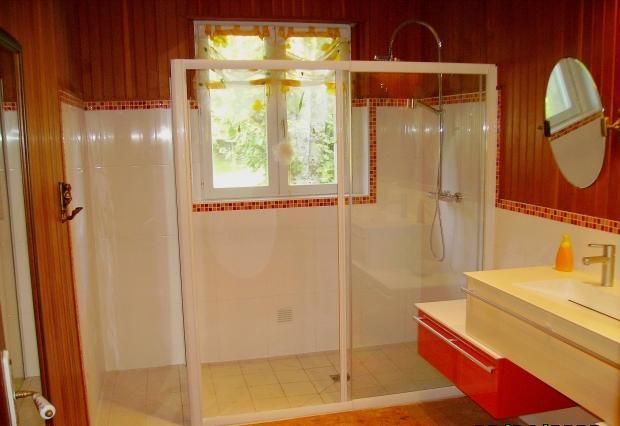 salle de bain brest excellent cuisines salle de bains dressing brest avec cuisiniste salle de. Black Bedroom Furniture Sets. Home Design Ideas